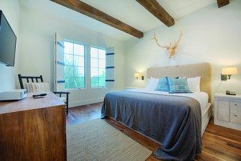 17. Stablewood_Bedroom